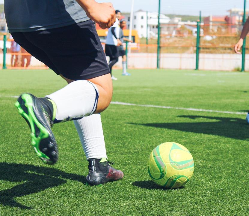 Le mini football pour les amateurs, la version réduite du football chez les professionnels