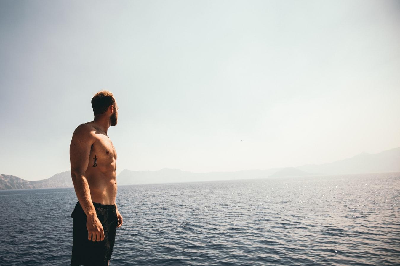 Quelles sont les causes d'une faible testostérone chez les hommes ?